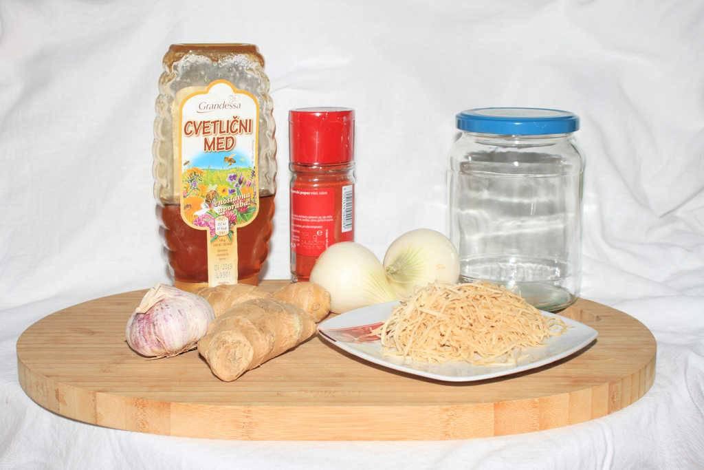 Ognjeni naravni pripravek proti prehladu in gripi, ki dela čudeže