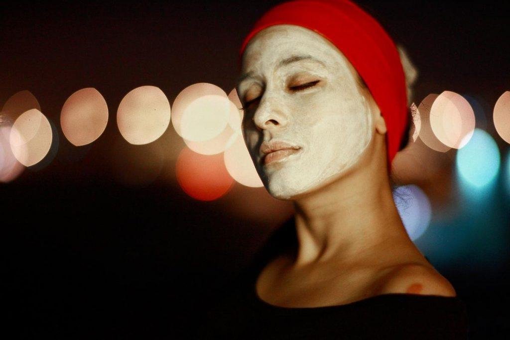 Negovalna maska za obraz s kvasom 1